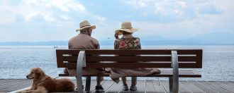 5 Ways to Stay Close to Old Grandparents